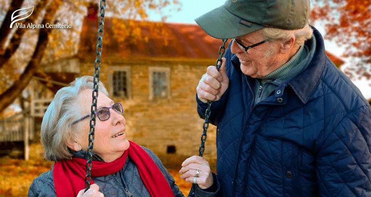 Idosos agasalhados - saúde do idoso no inverno